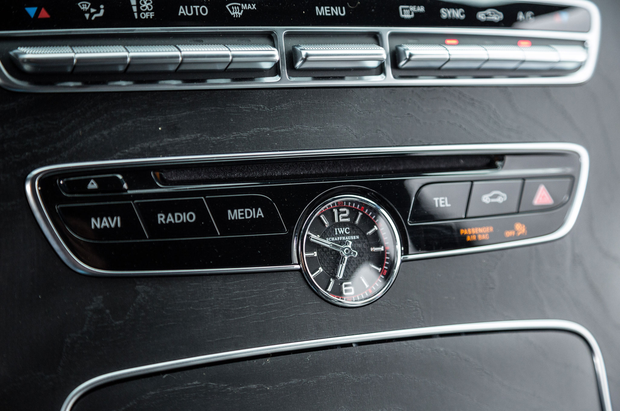 Ckm car design se 10 amg iwc clock for Mercedes benz clock